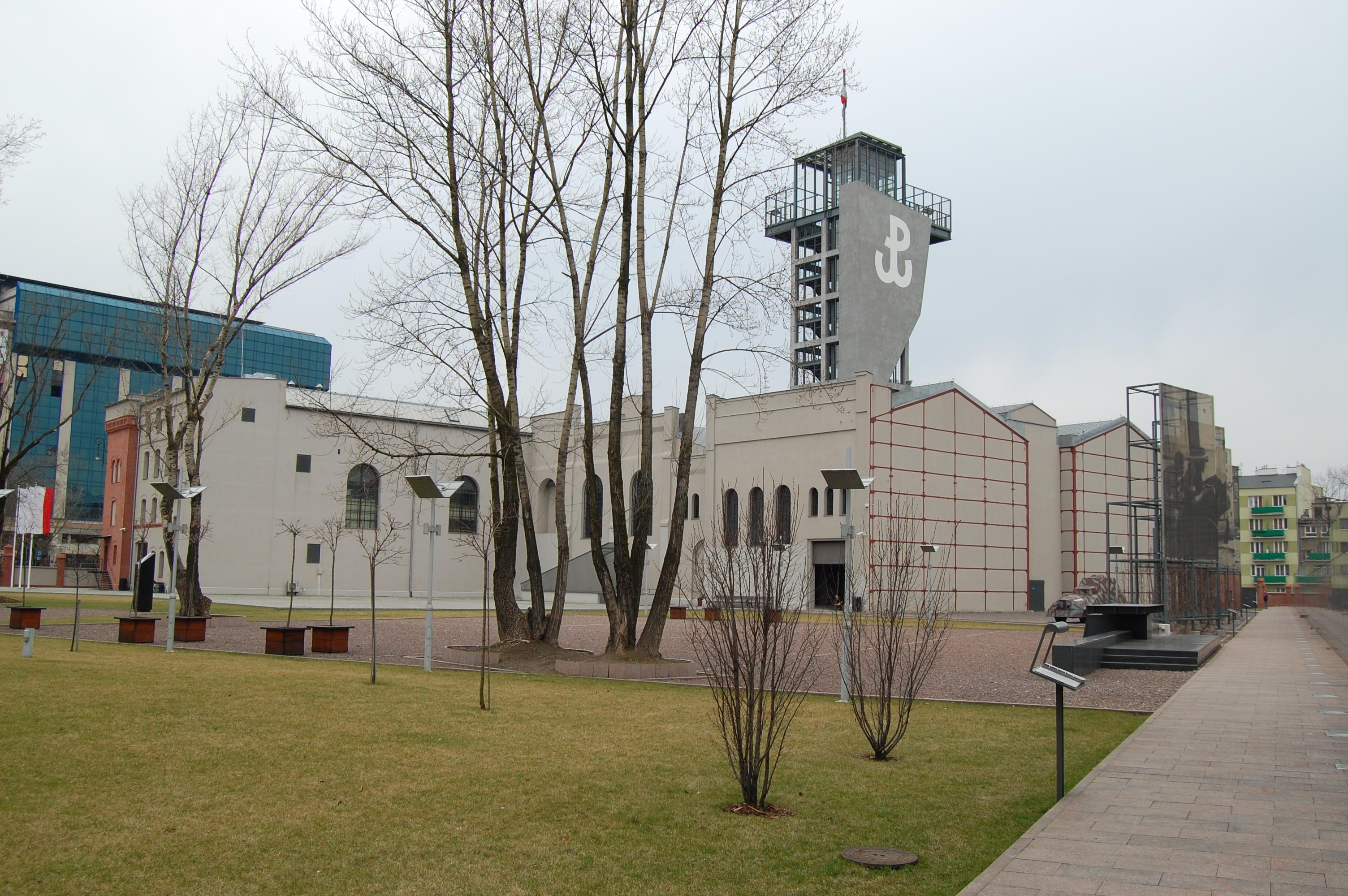 Budynek Muzeum Powstania Warszawskiego fot. sfu (cc) commons.wikimedia.org