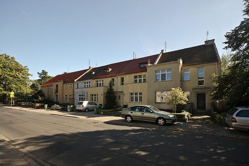 Dom jednorodzinny (Wystawa Mieszkanie i Miejsce Pracy – WUWA) ul. Tramwajowa 5, Wrocław, fot. Sławomir Milejski, Wikimedia Commons / CC-BY-SA-3.0