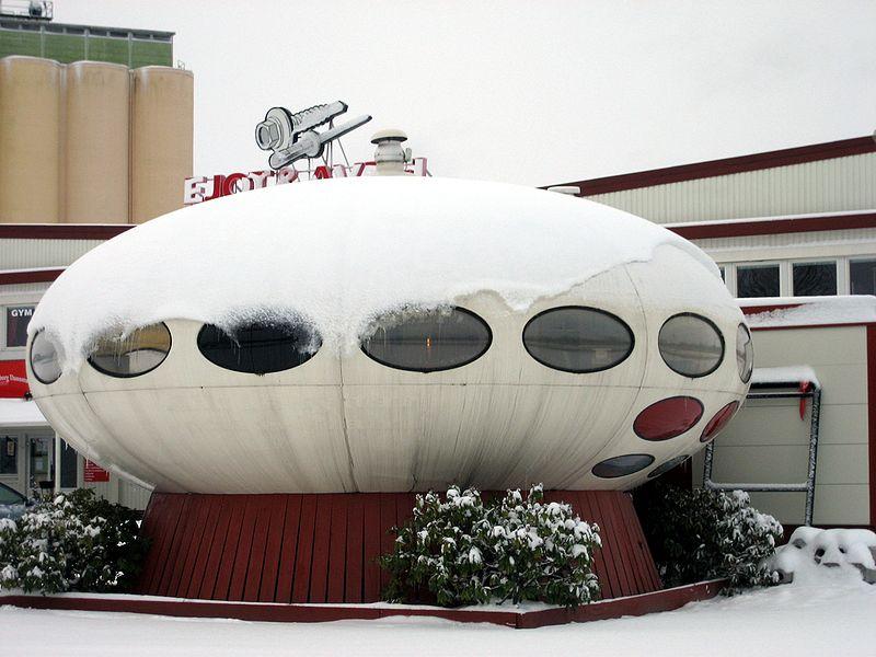Futuro House w Örebro, w Szwecji; fot. Sebastian F of Sw. Wiki, Wikimedia Commons