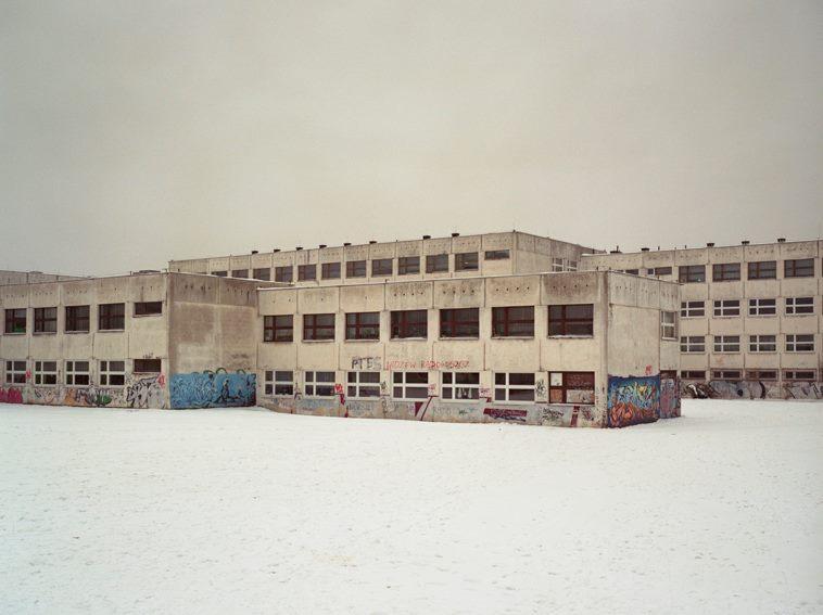 """Praca Marka Domańskiego z wystawy """"Architektura przymusu"""""""