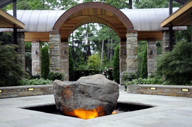"""Każdy dom może mieć swoje naładowane energią """"miejsce święte"""", źródło: http://architecturecures.com"""