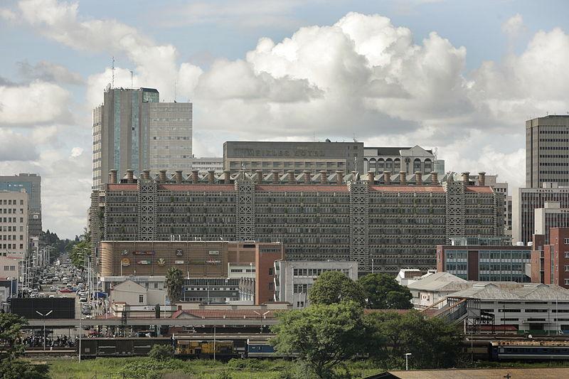 Eastgate Centre, Harare, Zimbabwe, proj. Mick Pearce, fot. David Brazier, (CC BY-SA 3.0)