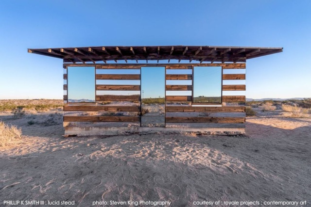 Lucid Stead, proj. Phillip K Smith III, Joshua Tree, Kalifornia, USA; źródło zdjęć: http://royaleprojects.com/lucid-stead