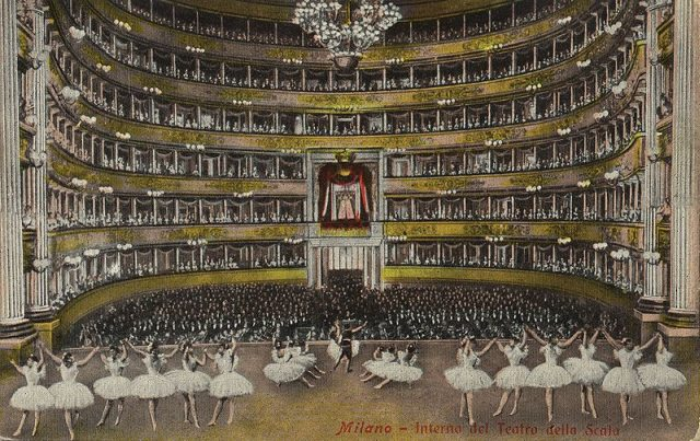 La Scala, sala koncertowa w Mediolanie, pocztówka z ok. 1900 roku, ilustracja w domenie publicznej, źródło: www.zeno.org