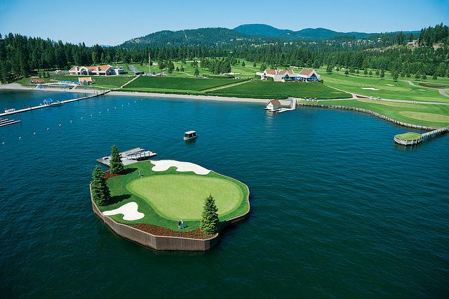 Pole golfowe w Coeur d'Alene Resort, Idaho, USA, źródło: www.cdaresort.com