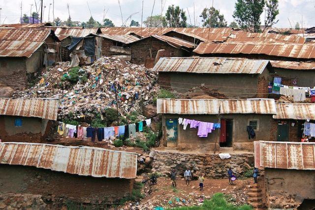 Kibera, slums w Nairobi, fot. Colin Crowley, CC BY 2.0