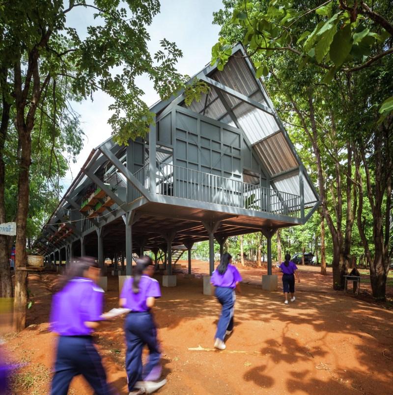 Baan Huay Sarn Yaw School, proj. Vin Varavarn Architects, Tajlandia; źródło: www.facebook.com/VinVaravarnArchitectsLimited